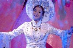 Hồ Quỳnh Hương hát cùng dàn sao quốc tế