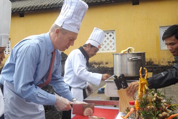 đại sứ Mỹ, Ted Osius, ẩm thực, bún bò Huế