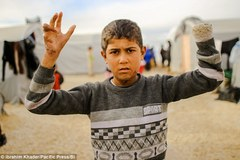 Chấn động những tội ác của IS đối với trẻ em
