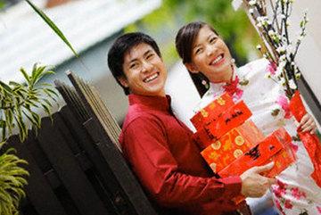 Vợ chồng vừa được thưởng Tết gần 100 triệu, nên chi tiêu thế nào?