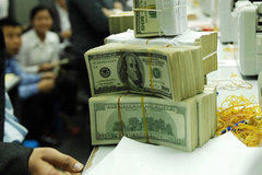 Mua nhà, ôtô: Tiền cả bao tải mới sướng