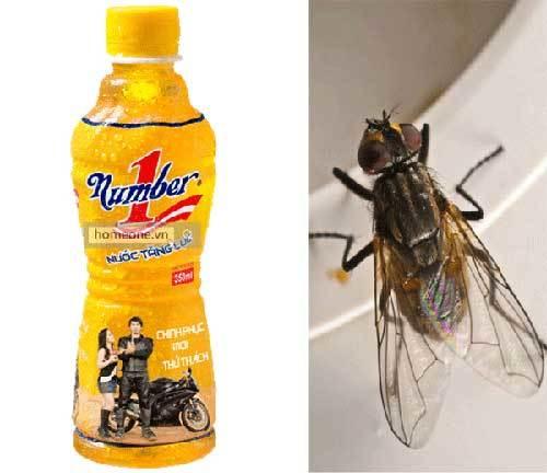 Vụ nước ngọt Tân Hiệp Phát có ruồi: Chai nước có dấu vết biến dạng