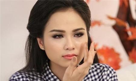 Hoa hậu Diễm Hương: Chỉ mong ông bà ngoại 'chấp nhận' cháu