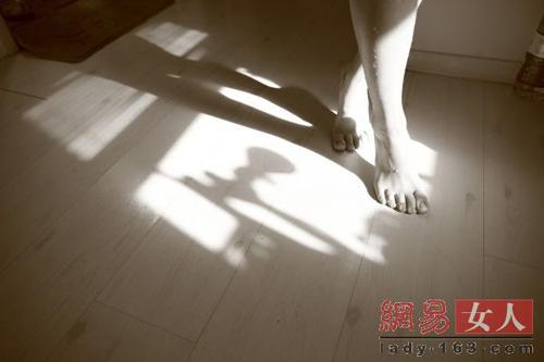 Thiếu nữ trải lòng về nghề mẫu khỏa thân