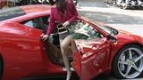 Chồng sắp cưới lái siêu xe chở 15 tỷ chở Midu đi mua sắm