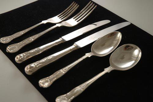 Đồ ăn bằng bạc không tốt cho ẩm thực