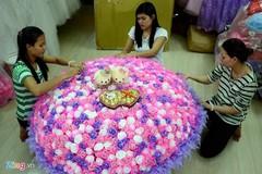 Trai Hà thành: Bó hồng 699 bông giá 10 triệu tặng bạn gái