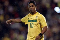 Bản tin 12h: Ronaldinho sang Angola, bồ Nasri rủa Deschamps