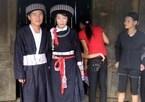 """Hôn nhân """"nội bất xuất, ngoại bất nhập"""" ở bản người Mông Xanh"""