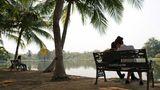 """Thái Lan kêu gọi giới trẻ bớt """"yêu"""" ngày Tình nhân"""