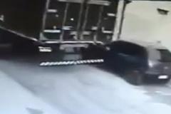 Dùng xe tải cướp ô tô con