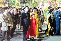 Chủ tịch nước cắt băng khai mạc Đường hoa Xuân