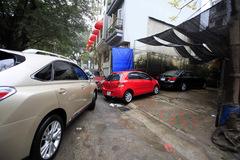 Dịch vụ rửa xe máy, ô tô đắt hàng ngày cuối năm