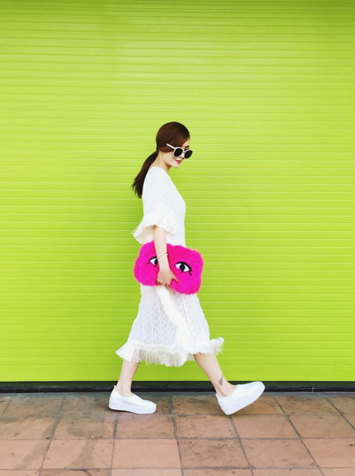 Thời trang du xuân rực rỡ của sao Việt