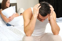 Sau khi bí mật bại lộ, vợ liên tục cầu xin tôi tha thứ