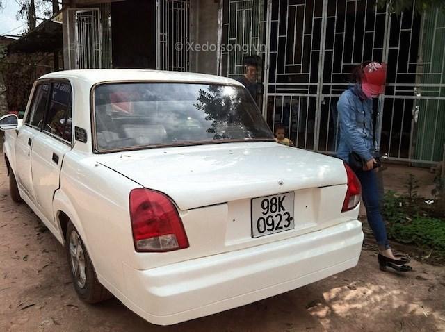 20150225143030 xe6 Cận cảnh về chiếc Lada độ thành Rolls Royce ở Bắc Giang