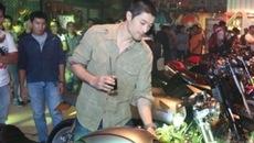 Johnny Trí Nguyễn bị công an kiểm tra trong đêm