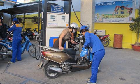 Giảm giá chưa lâu, xăng dầu sắp tăng kỷ lục? - 2