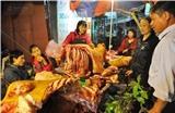 Thịt bê cầu may ế ẩm trong phiên chợ Viềng