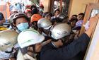 Bến tàu Lý Sơn quá tải, hàng ngàn du khách bị mắc kẹt