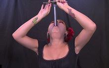 10 clip 'nóng': Thất kinh xem bà bầu nuốt kiếm
