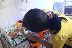 Hy hữu: Đẻ rơi thai nhi 7 tháng xuống hố bồn cầu