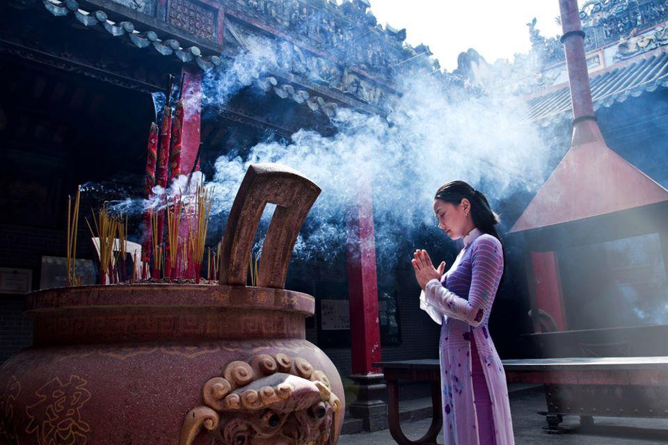 Văn khấn đi chùa vào mùng 1 và ngày Rằm hàng tháng