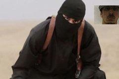 Đao phủ IS tố từng bị tình báo Anh dọa nạt