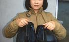 Nữ 'phật tử' vào chùa, xỏ 'nhầm' hàng chục đôi giày hàng hiệu