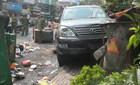 Xe Lexus gây náo loạn đường phố, 3 người bị nạn