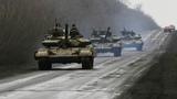 Hàng loạt xe tăng đổ về đông Ukraina