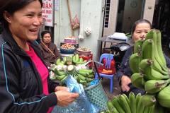Người Hà Nội mua chuối, phật thủ cúng rằm tháng Giêng