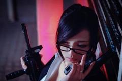 Ngắm dàn mỹ nhân sexy ôm 'hàng nóng' quảng bá cho Counter-Strike Online