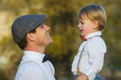 Tại sao chúng ta nhiều khả năng giống bố hơn giống mẹ?