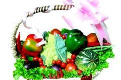 Không quà 8/3: Tặng cô giáo một bì rau quả quê
