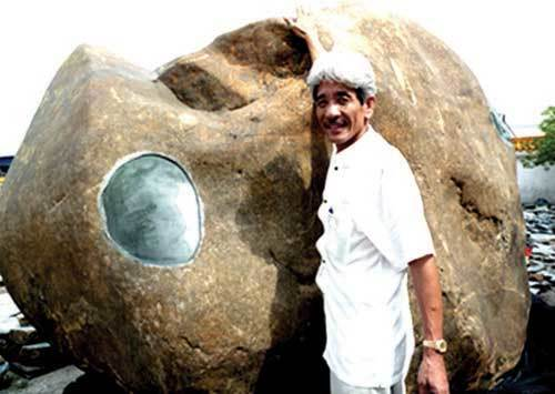 Bất ngờ phát lộ khối đá quý chục tấn giá triệu đô