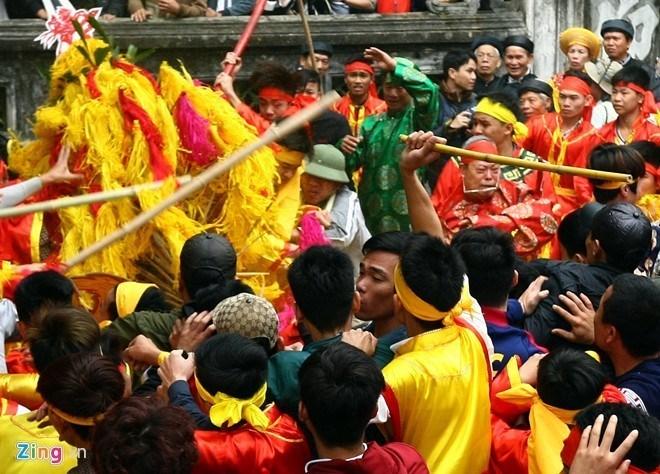 Cướp có văn hóa,  Ấn tượng trong tuần, Kỳ Duyên, ODA, lễ hội, tuyển dụng, công chức, đền Trần, hội Gióng, Minh Thề