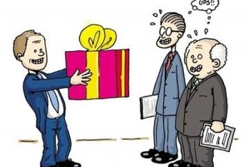Quan không nhận quà, dân từ chối cứu đói