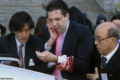 Dân Hàn mời Đại sứ Mỹ ăn thịt chó để dưỡng thương
