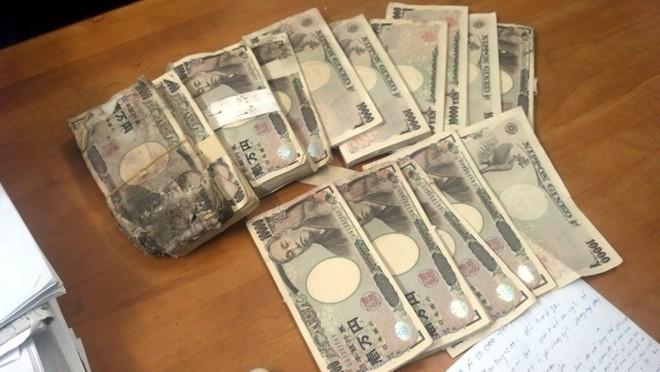 Người mua ve chai hồi hộp trước ngày 'giải tỏa' 5 triệu yen