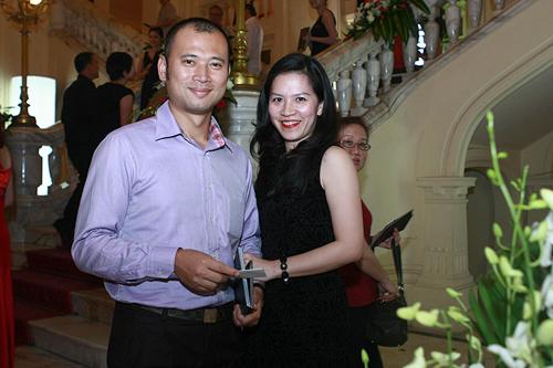 Chân dung người vợ 'báu vật' của MC Long Vũ
