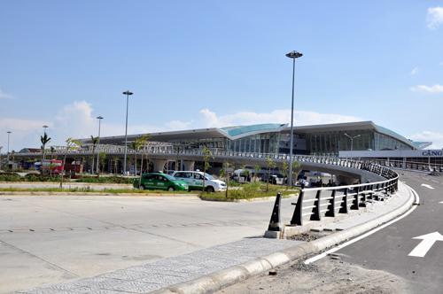 Sân bay Đà Nẵng: Mới hoạt động đã tính xây mới