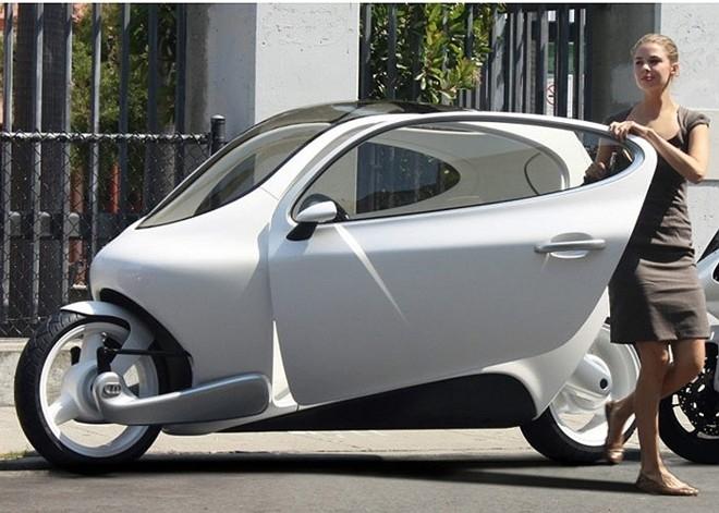 Phát sốt ôtô điện 2 bánh 500 triệu lượn phố