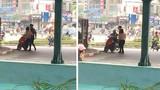 Hà Nội: Cãi nhau với bạn trai, cô gái cởi phăng đồ giữa phố