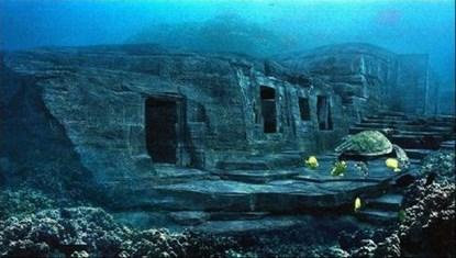 """Bí ẩn về """"kim tự tháp"""" dưới biển Nhật Bản"""