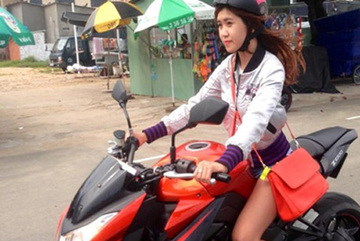 Người đẹp 9X mê lái Kawasaki Z1000