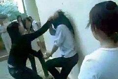 Cả thế giới 'đau đầu' với bạo lực học đường