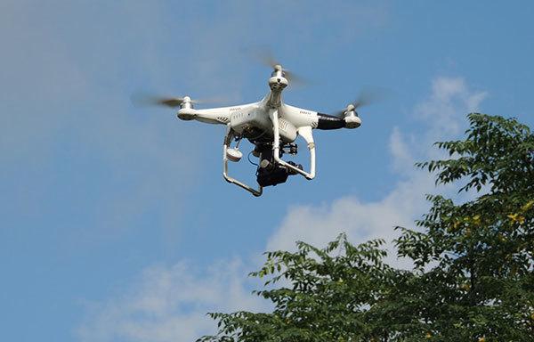Chơi Flycam: Lỡ tay tan mất con SH