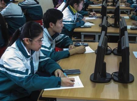 Đại học đầu tiên tổ chức thi thử cho học sinh