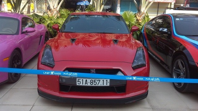 Dàn siêu xe hiếm gặp mặt tại Sài Gòn